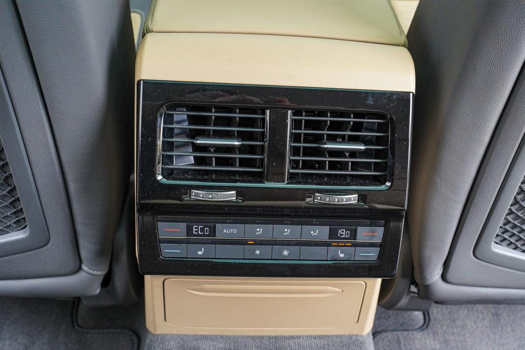Volkswagen Touareg - 4-strefowa klimatyzacja
