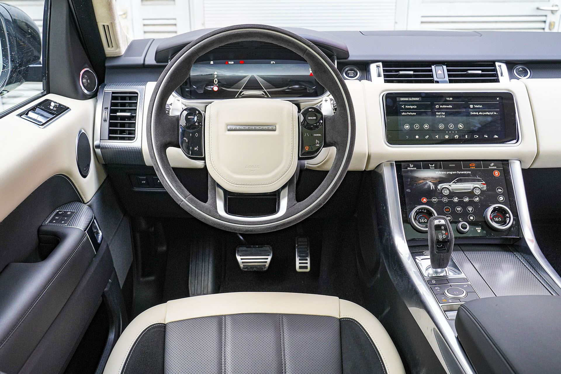 Range Rover Sport - deska rozdzielcza - Land Rover Discovery, Mercedes GLE, Range Rover Sport, Volkswagen Touareg, Volvo XC90 – PORÓWNANIE –opinie, dane techniczne, wymiary