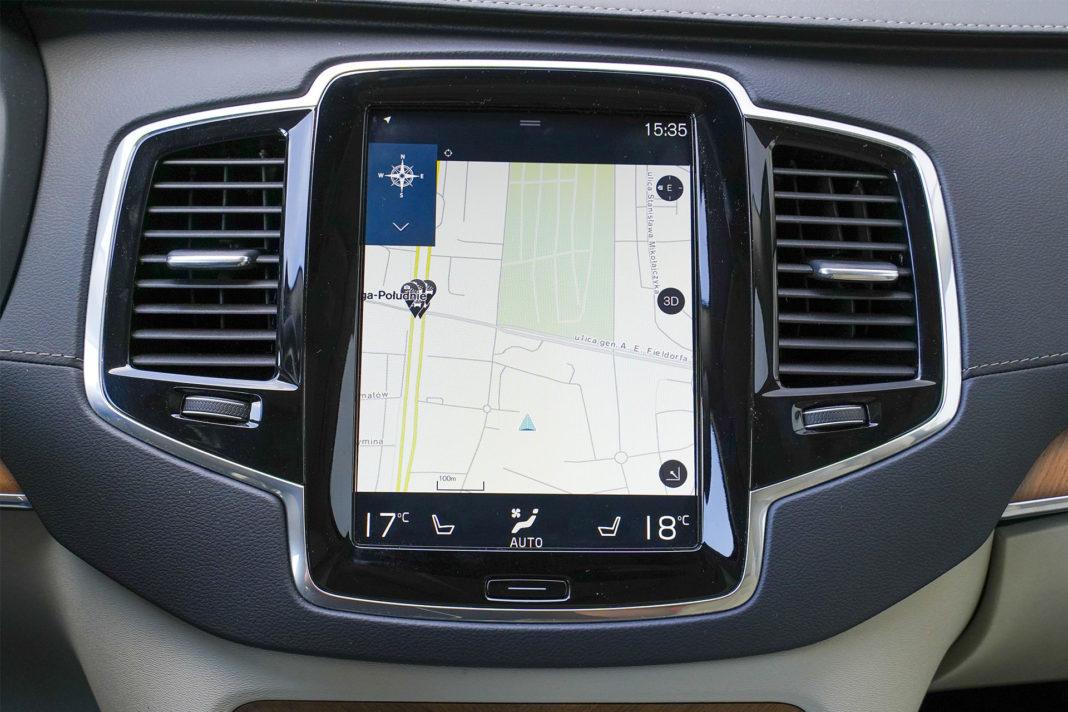 Volvo XC90 - ekran centralny