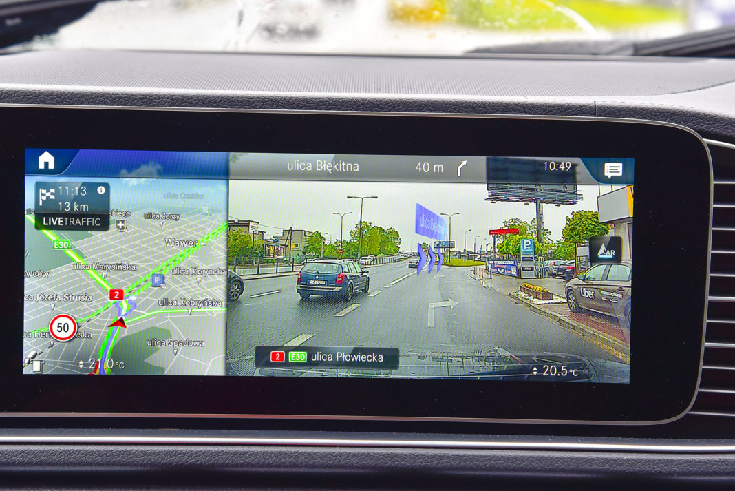 Mercedes GLE - ekran centralny