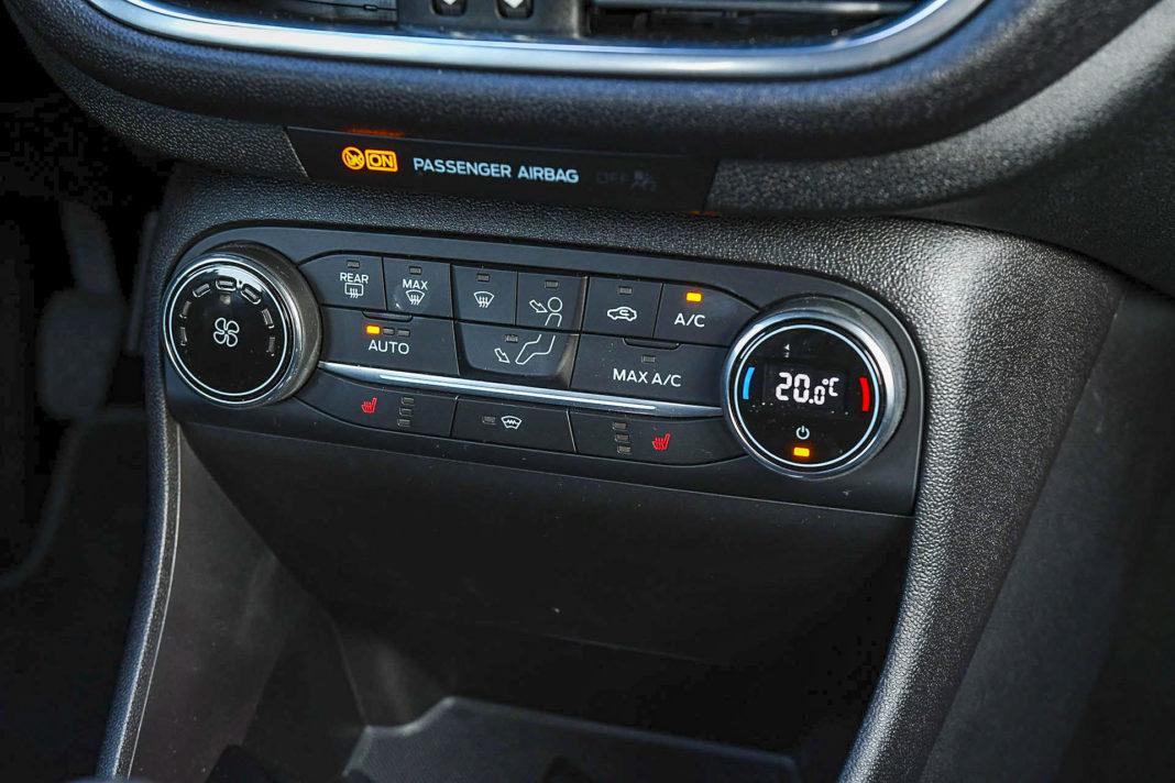Ford Fiesta - panel klimatyzacji
