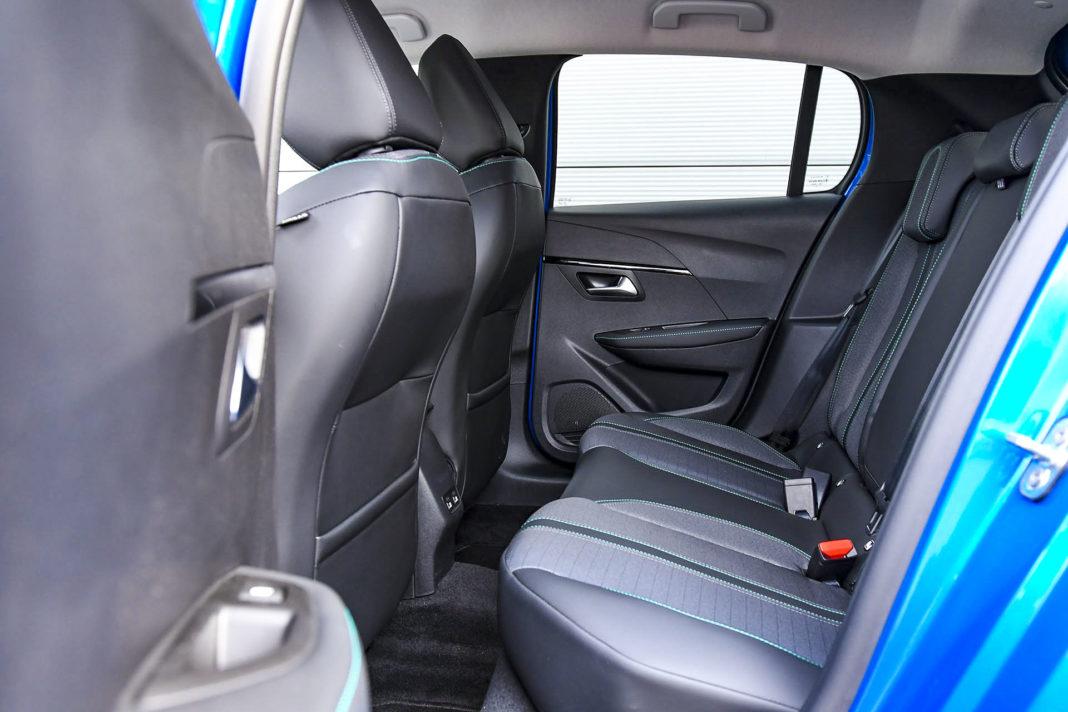 Peugeot 208 - kanapa