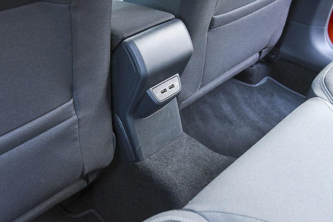 Volkswagen Polo - wejścia USB z tyłu