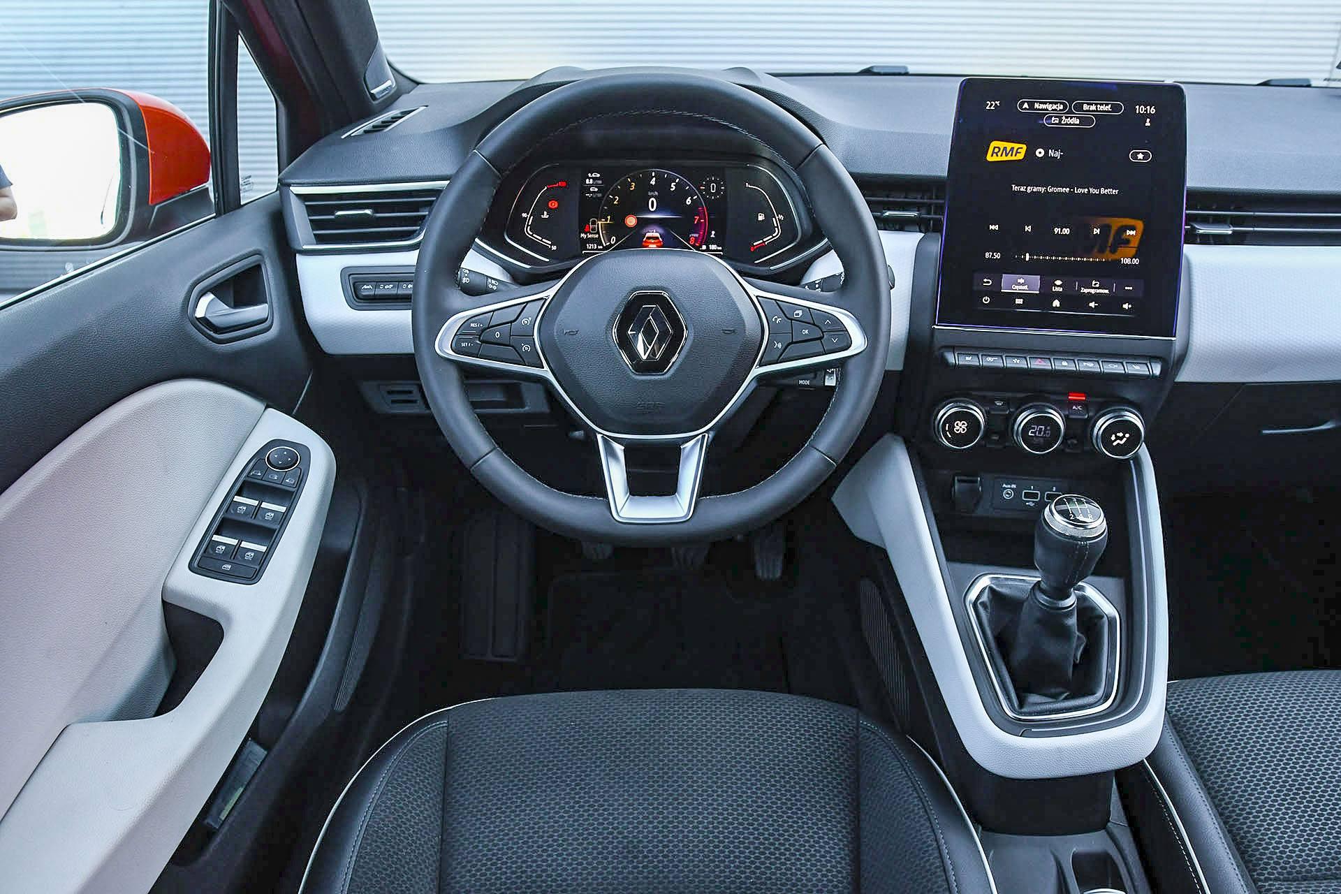 Renault Clio - deska rozdzielcza