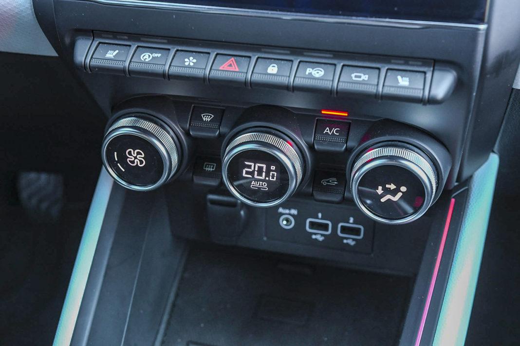 Renault Clio - panel klimatyzacji