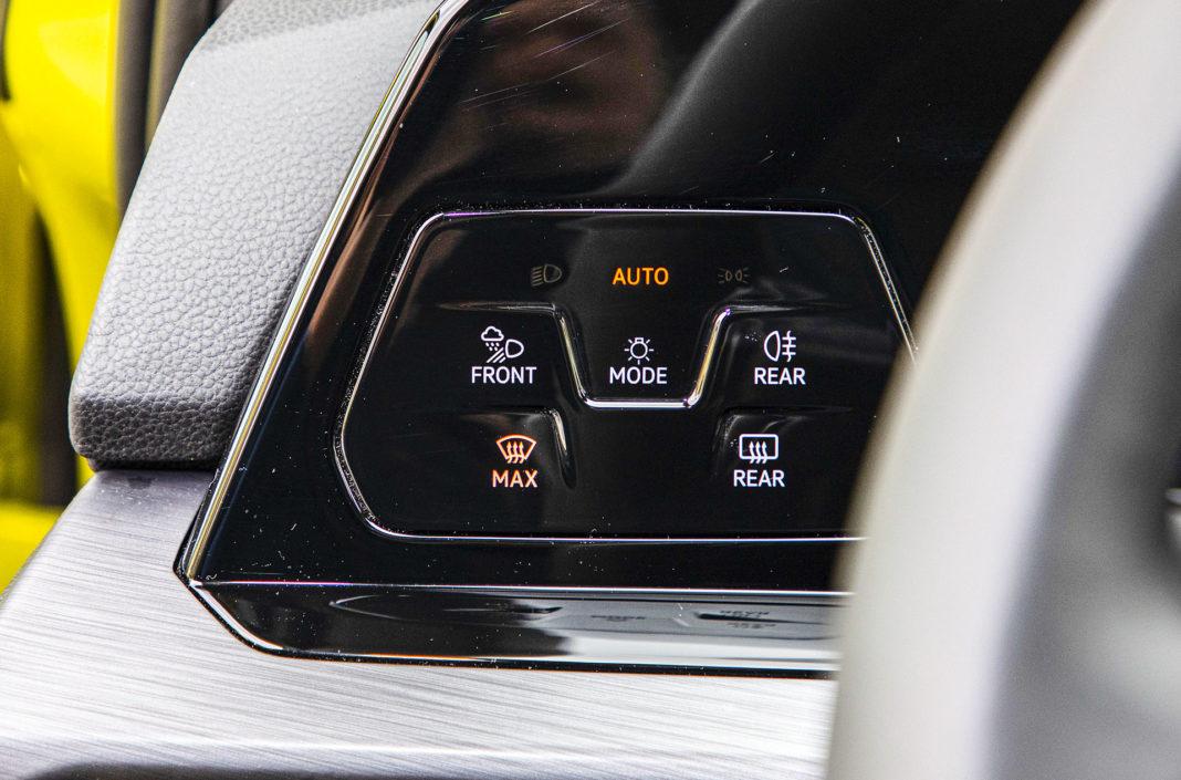 Volkswagen Golf - panel dotykowy