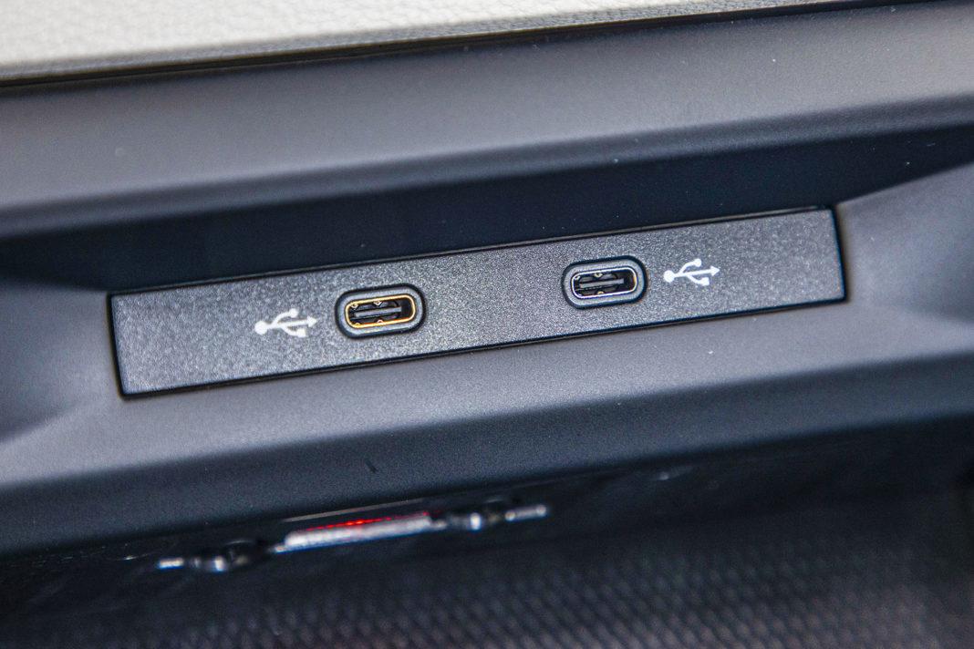 Volkswagen Golf - wejścia USB