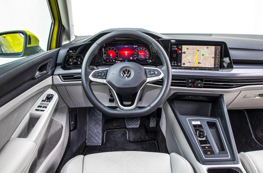 Volkswagen Golf - deska rozdzielcza