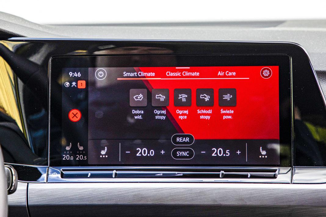 Volkswagen Golf - ekran centralny