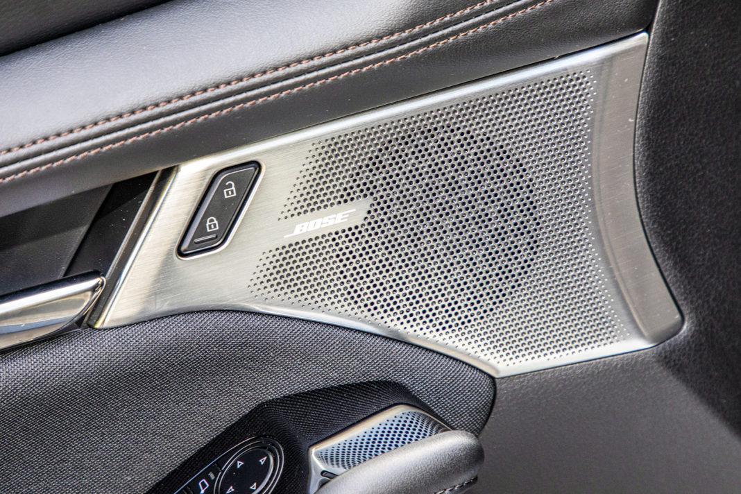 Mazda 3 - głośnik w drzwiach