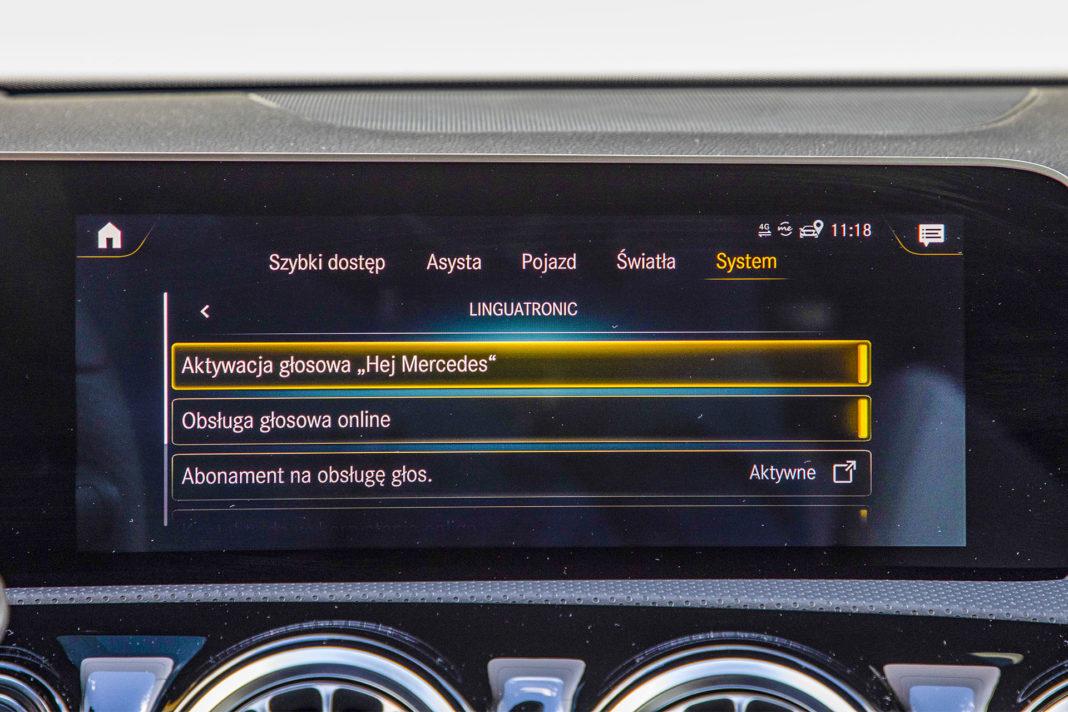 Mercedes klasy A - ekran centralny