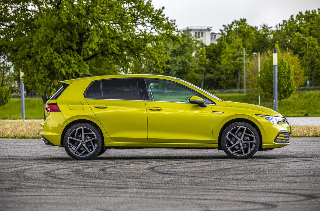 Volkswagen Golf - bok