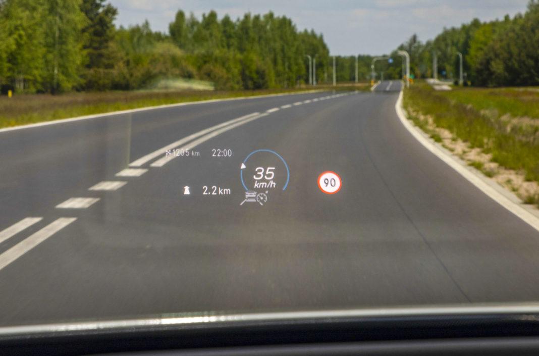 Mercedes klasy A - ekran head-up
