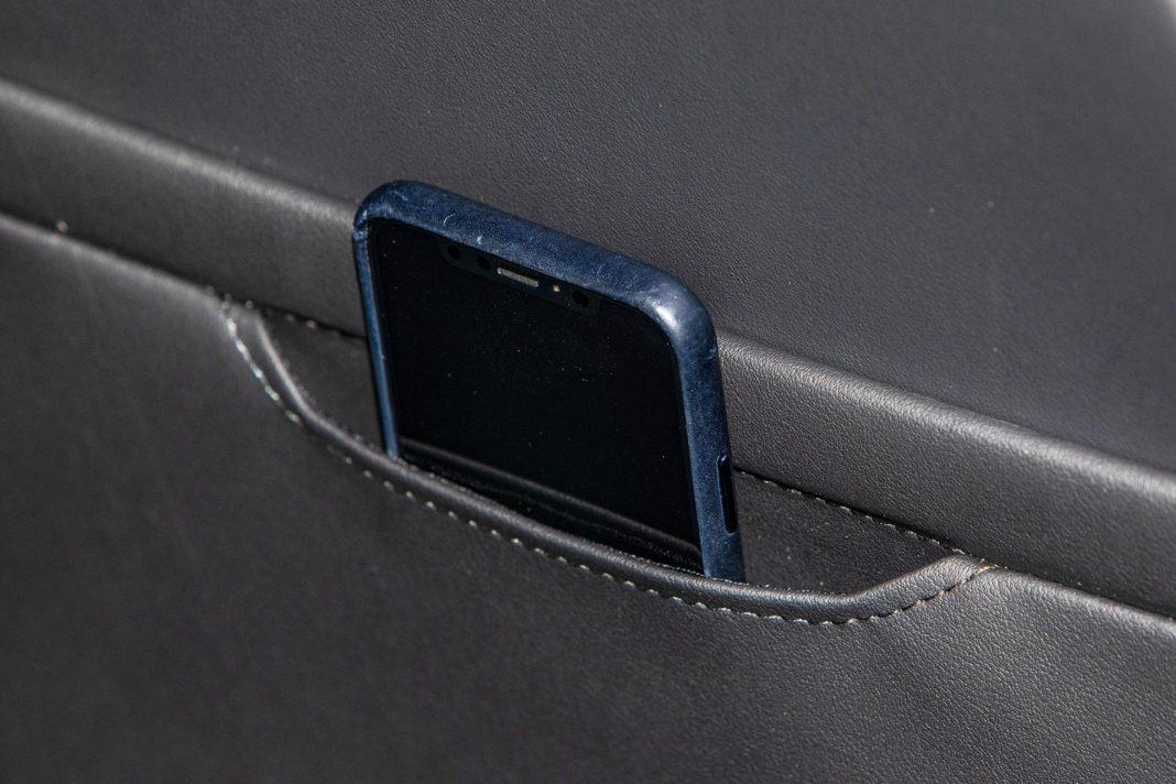 Skoda Octavia IV Combi 1.5 TSI Style test – kieszeń na telefon