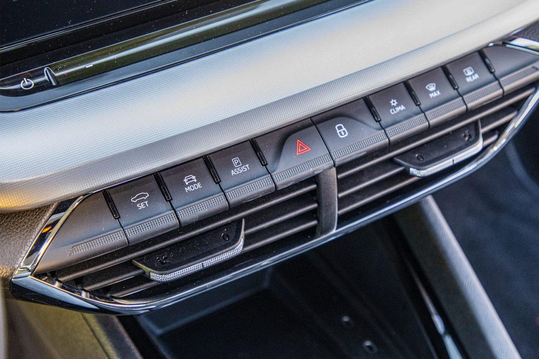 Skoda Octavia IV Combi 1.5 TSI Style test – przyciski