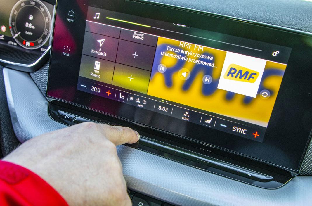 Skoda Octavia IV Combi 1.5 TSI Style test – regulacja głośności