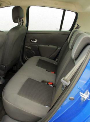 RENAULT Clio III FL 1.2 16V 75KM 5MT WE0890S 08-2009