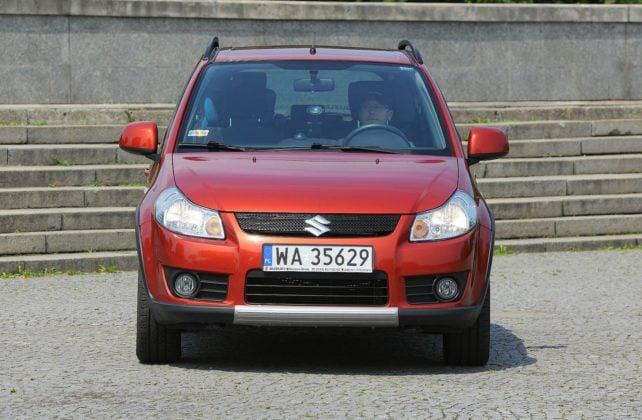 Suzuki SX4 Fiat Sedici 01