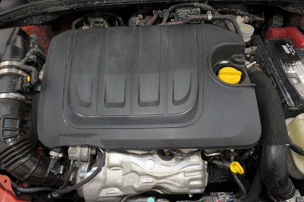 Suzuki SX4 Fiat Sedici 13
