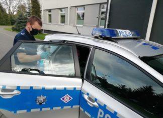 Drift przed komendą policji. Kierowca stracił prawo jazdy