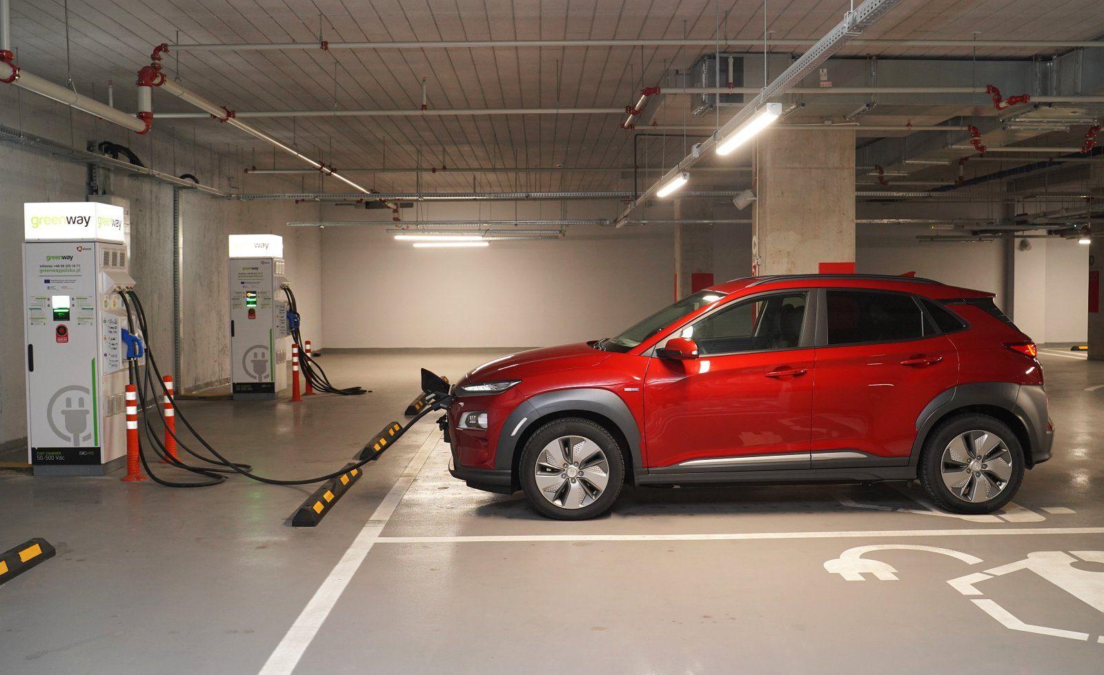 hyundai kona electric 64 kwh test 2020 ładowanie