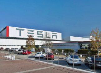 Policja w fabryce Tesli! Co przeskrobał Elon Musk?