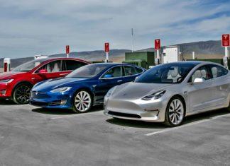 Tesla obniża ceny swoich aut, ale coś za coś...