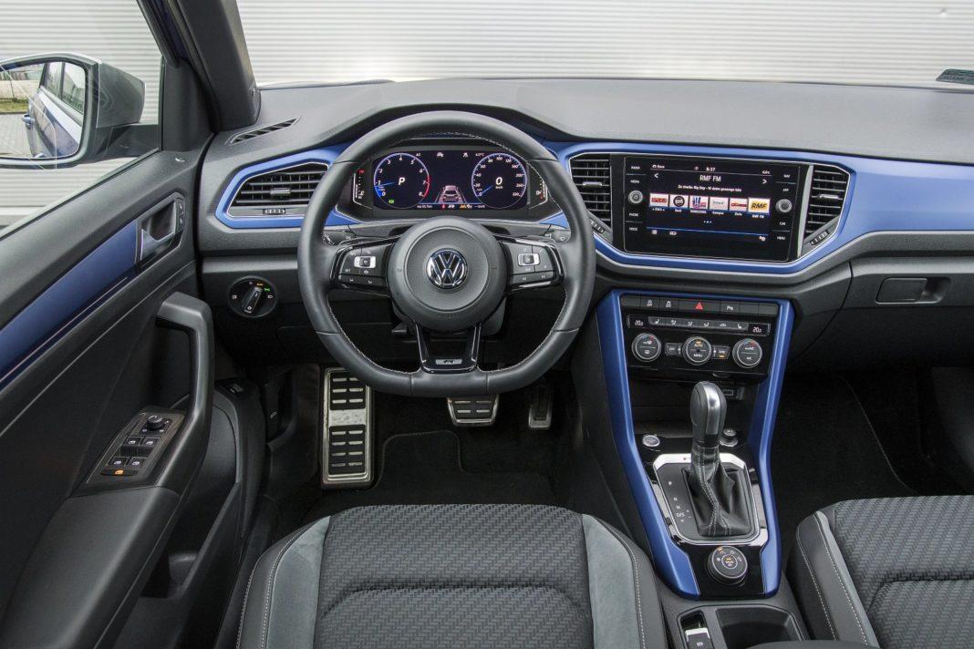 volkswagen-vw-t-roc-2020-test-deska-rozdzielcza-kokpit