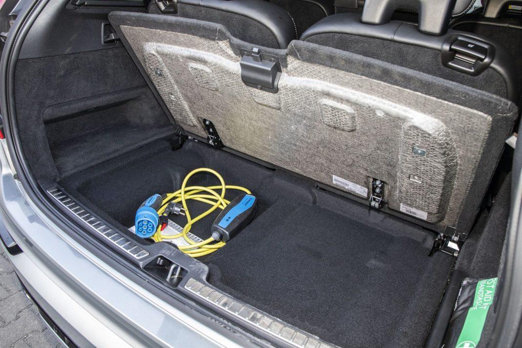 volvo xc90 t8 test 2020 kable do ładowania 04 spalanie zużycie paliwa opinia