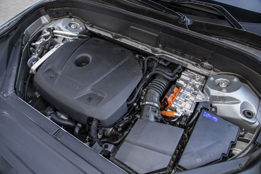 volvo xc90 t8 test 2020 silnik spalanie zużycie paliwa opinia