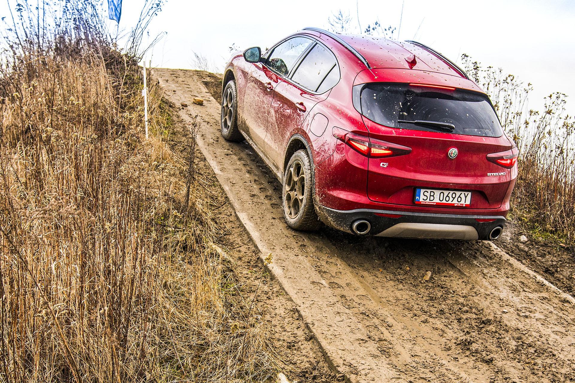 Alfa Romeo Stelvio – tył