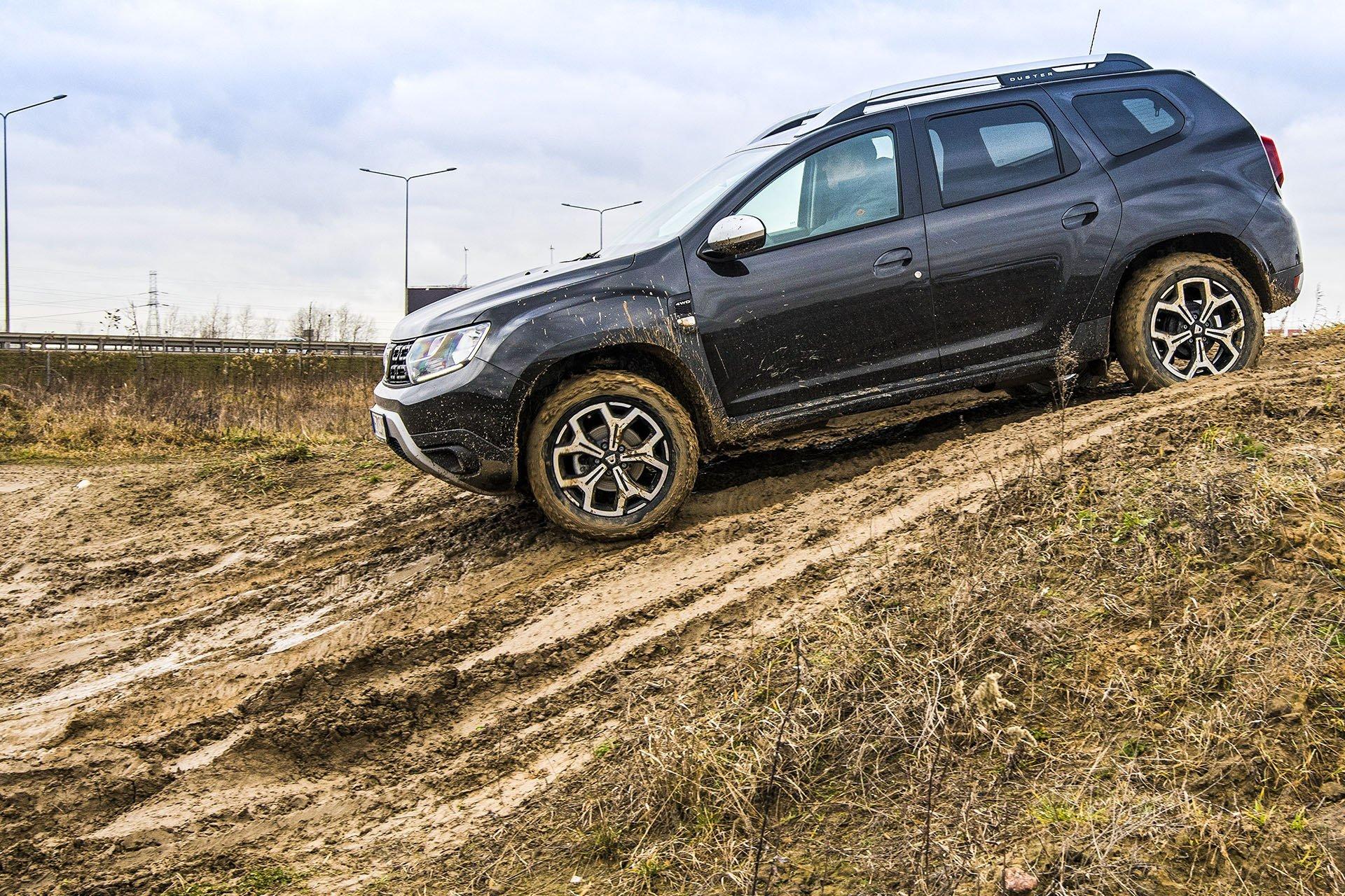 Dacia Duster 4WD - bok