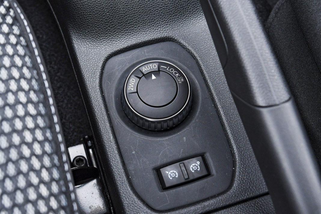 Dacia Duster 4WD - pokrętło