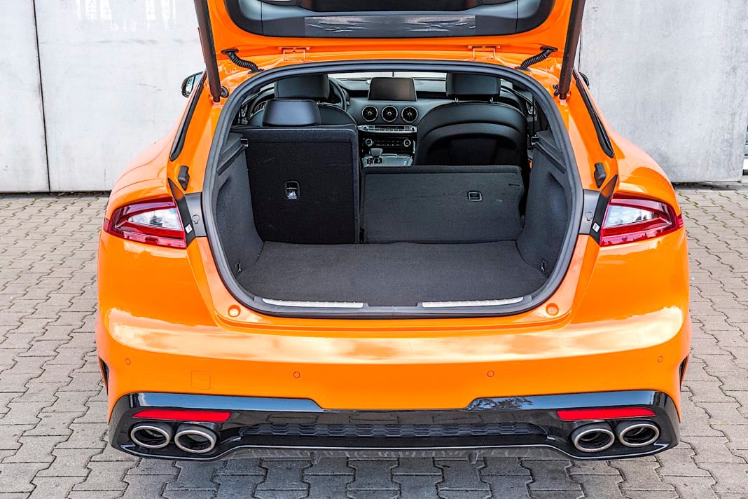 Kia Stinger 3.3 V6 GT - bagażnik