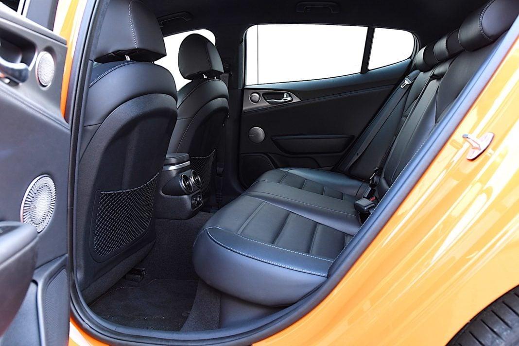Kia Stinger 3.3 V6 GT - kanapa