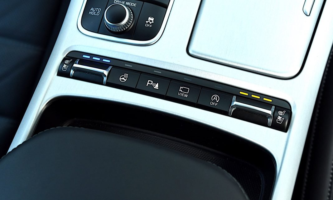 Kia Stinger 3.3 V6 GT - podgrzewanie
