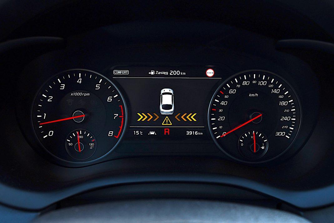 Kia Stinger 3.3 V6 GT - zegary