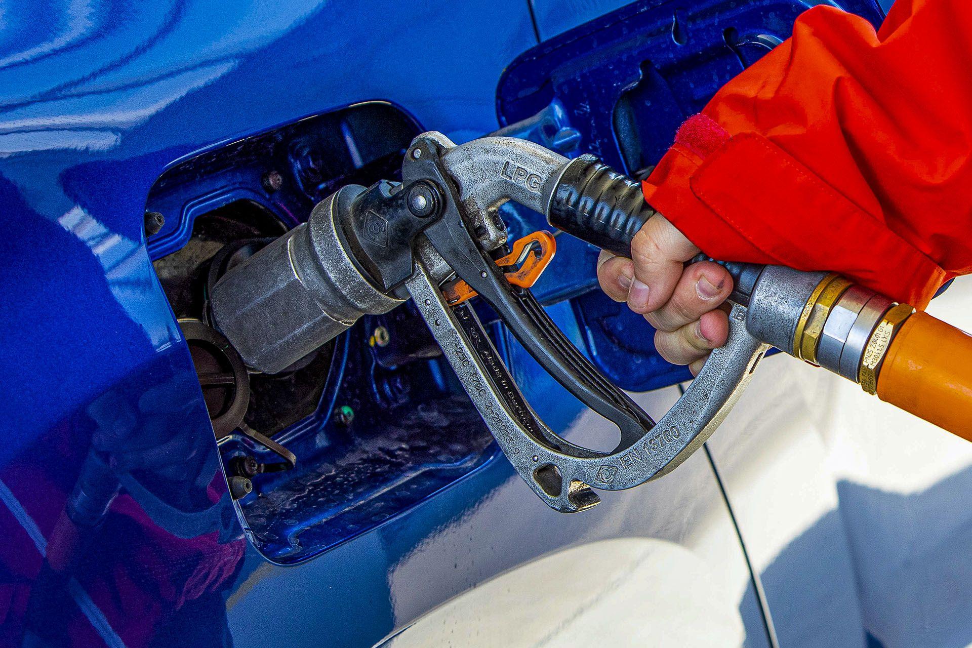 Dacia Duster 1.0 TCE 100 LPG test – tankowanie LPG