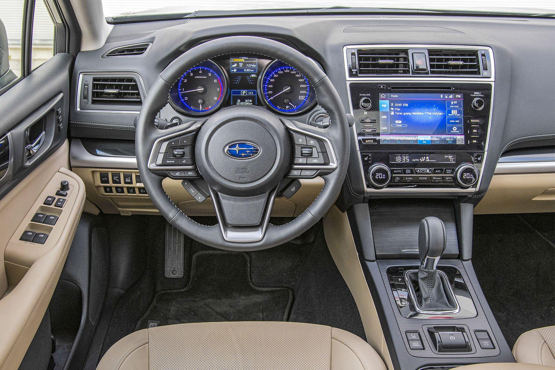 Subaru Outback - deska rozdzielcza