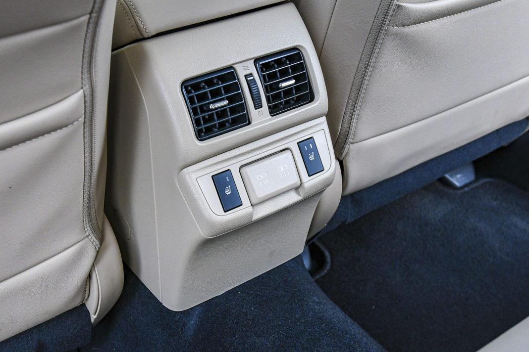 Subaru Outback - udogodnienia dla siedzących z tyłu