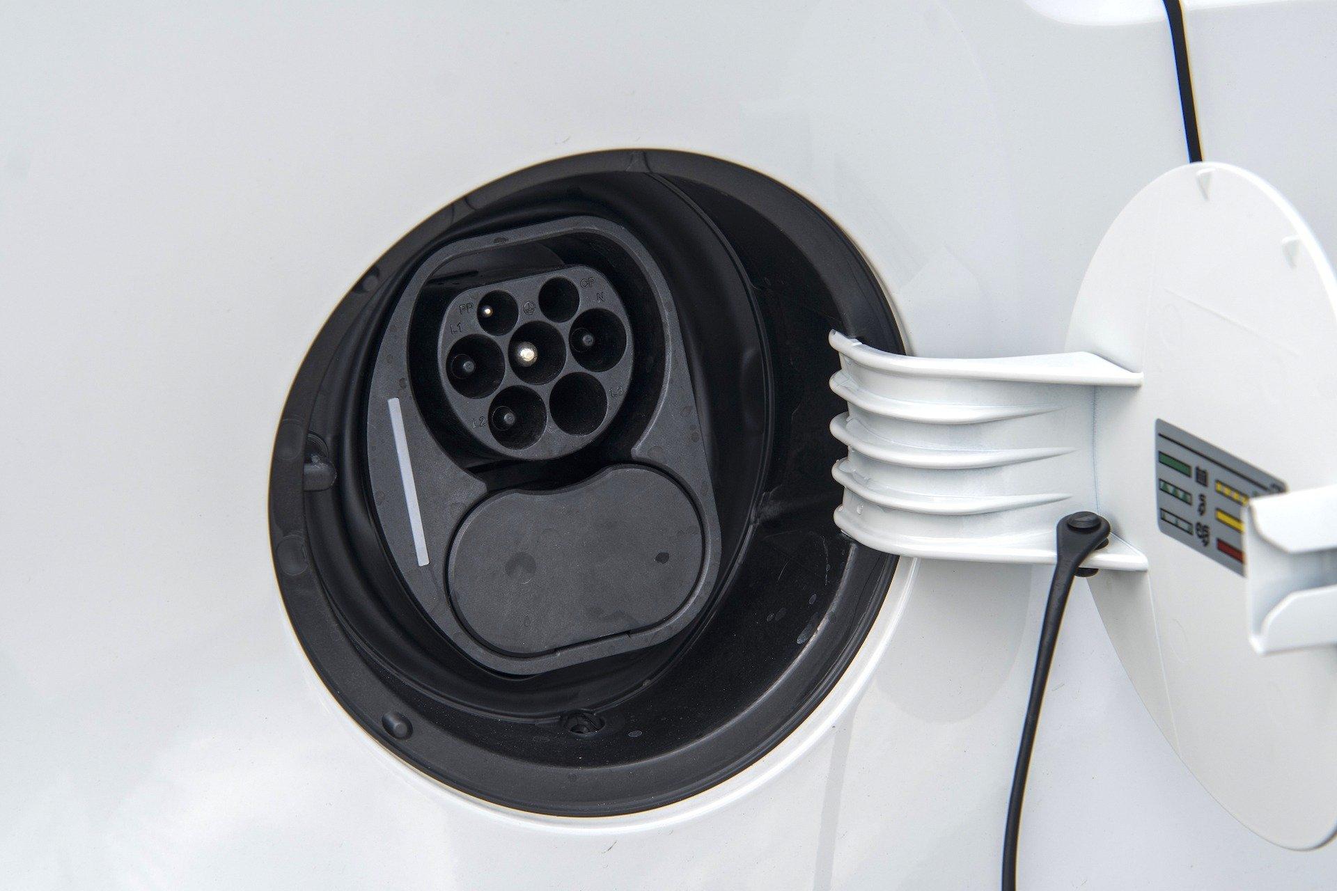 Volkswagen e-up - gniazdo ładowania