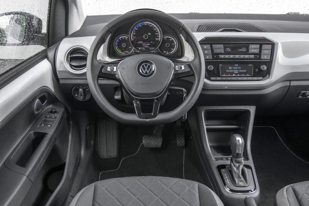 Volkswagen up - deska rozdzielcza