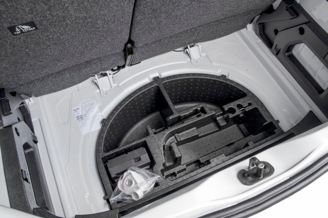 Volkswagen up - wnęka na koło zapasowe