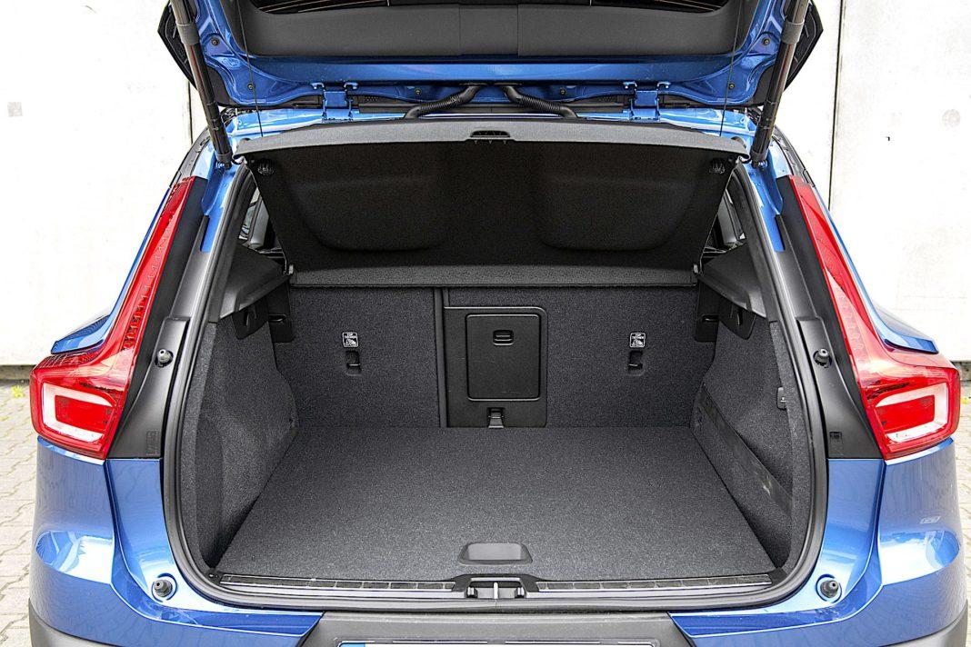 Volvo XC40 Recharge T5 FWD - bagażnik