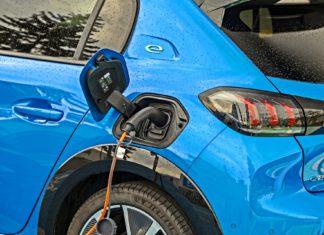 Dopłaty do aut elektrycznych. Wiemy, ile wniosków już złożono