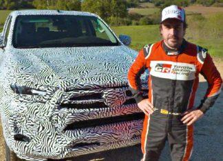 Nowa Toyota Hilux na filmie. Za kierownicą Fernando Alonso