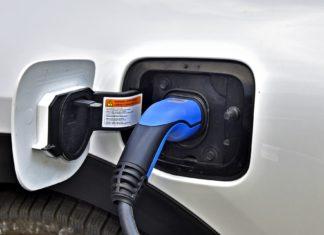 """Nowe auta będą droższe, żeby promować """"elektryki""""?"""