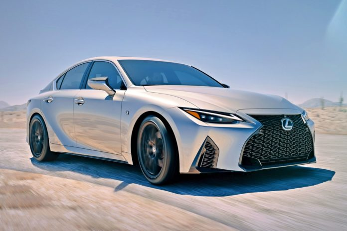 Lexus IS (2020)