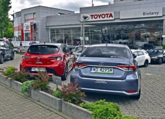 Toyota z wakacyjną ofertą specjalną. Rabaty do 38 000 zł!