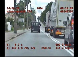 Wyprzedzał na podwójnej ciągłej, ruszył za nim nieoznakowany radiowóz
